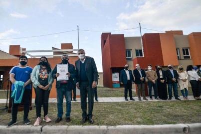La entrega de vivienda al grupo familiar de Antonio Suárez, Veterano de Malvinas