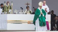 El Papa se despidió de Sudamérica con una misa ante más de un millón de personas en Perú