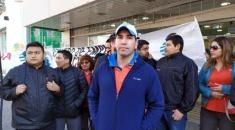 """Empleados de una casa de electrodomésticos reclaman por el """"pago en cuotas"""" de sus sueldos"""