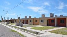 Sorteo de viviendas construidas por cooperativas para familias de Capital