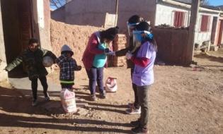 """Localidades del interior recibieron Unidades Alimentarias del programa """"Comer en Casa"""""""