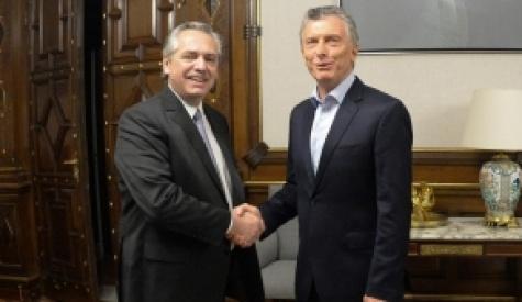 Alberto Fernández volvió a la Rosada y dio el primer paso con Macri para una transición ordenada